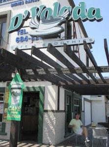 D'Volada Coffee below my Tijuana dentist's office (at Paseo de los Heroes #9415 )